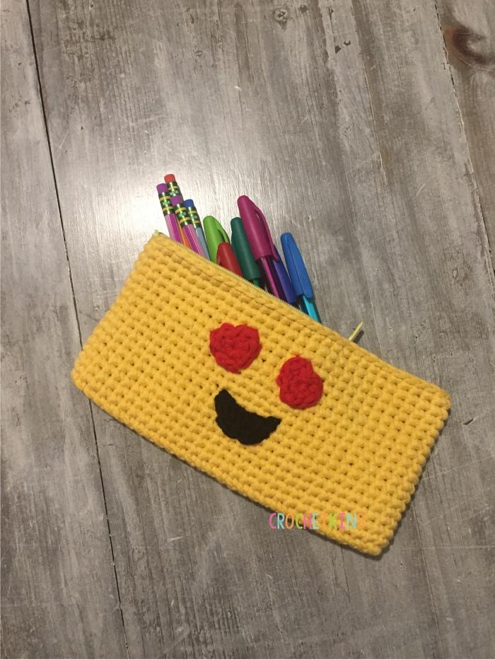 emojipouch2